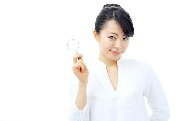 乳首開発のメリットを説明する女性