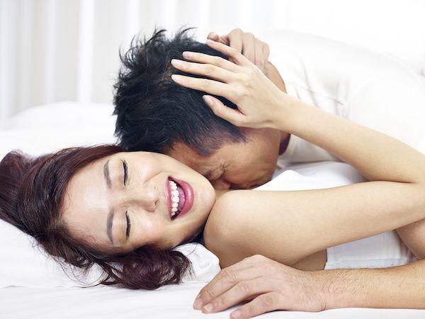 気持ちいいセックスをする女性